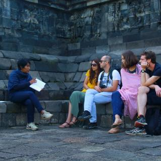 Explaining philosophy of the Borobudur and story of Buddha Life